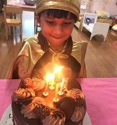 Zayd birthday with big cake